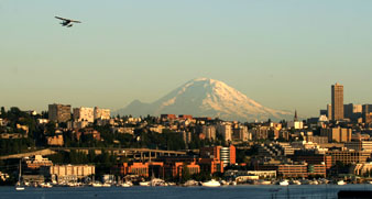 Seattle's Lake Union view of Mt. Rainier, click for hi-res screensaver image